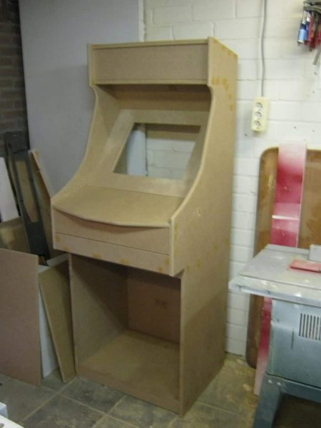 ArcadeWinkel nl | Building an arcade with Raspberry PI - Martin